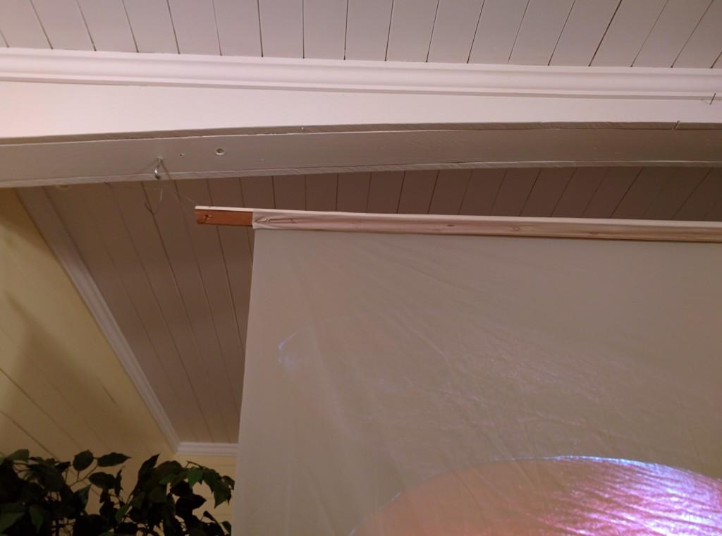 5 minute DIY rear projection screen